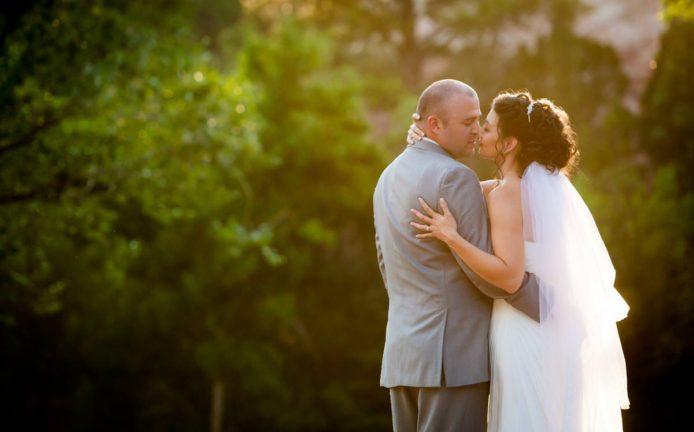 Summer Wedding At The Craftwood Inn