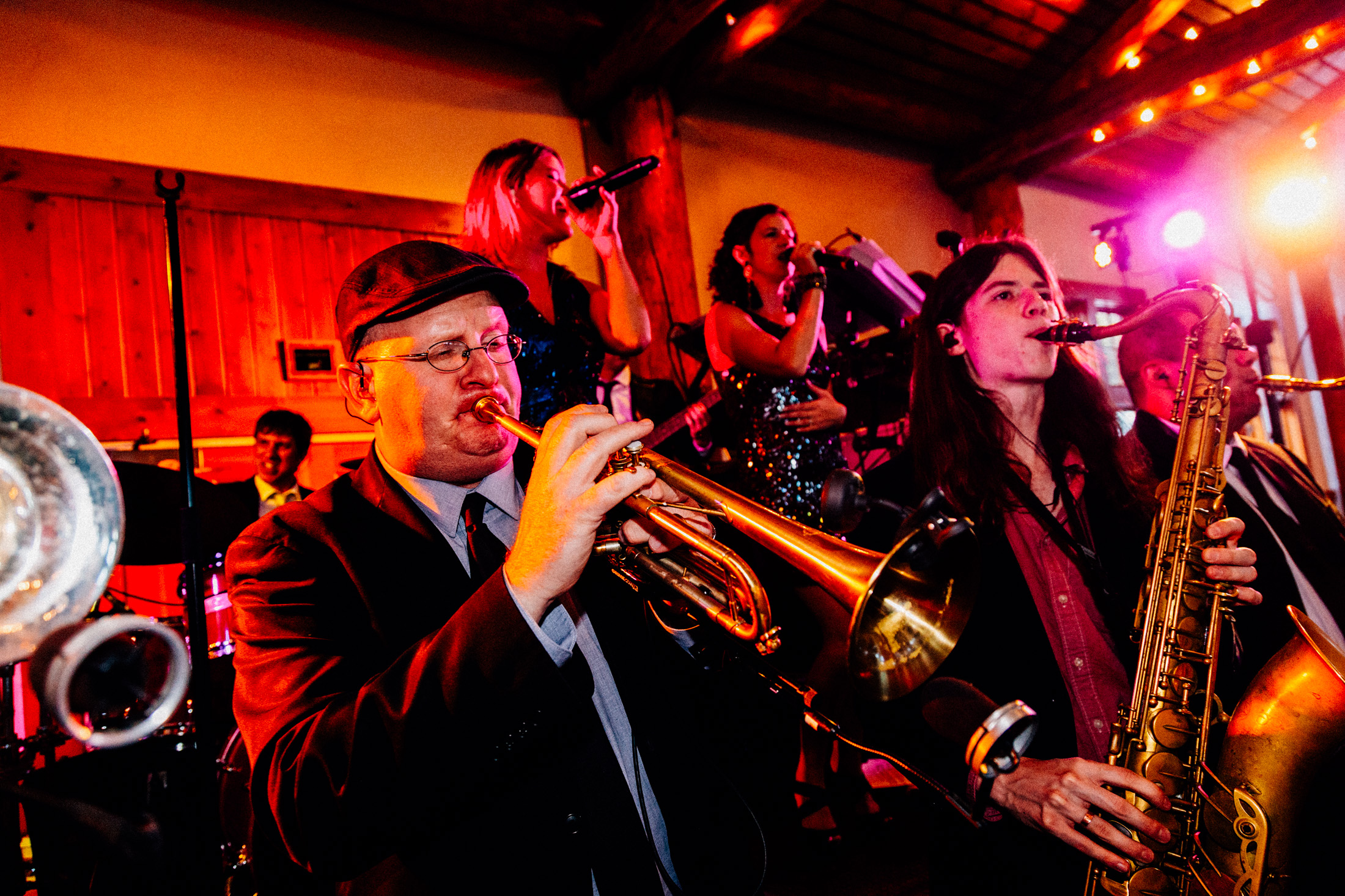 Horn section of wedding band Funkiphino.
